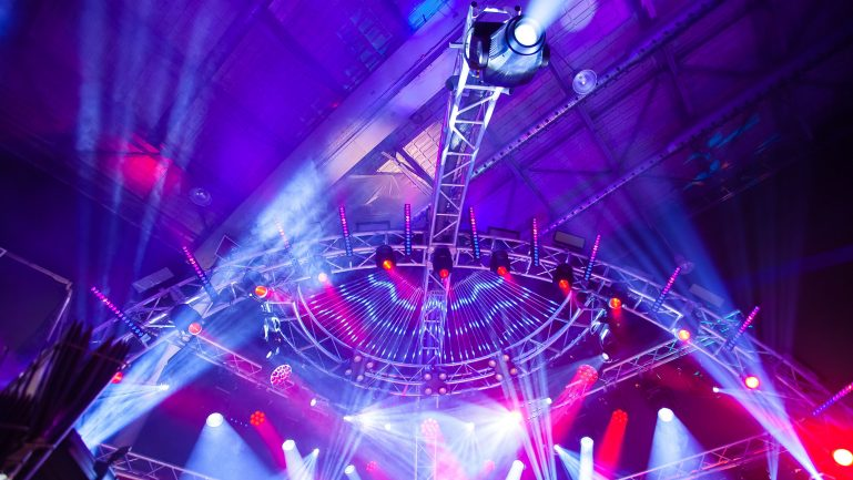 Specific accessories for lighting and stage technologies